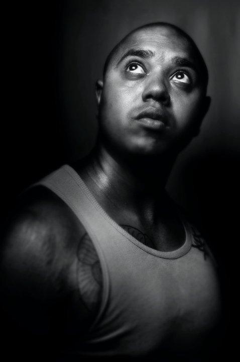 Portrait du rappeur réunionnais Oxid