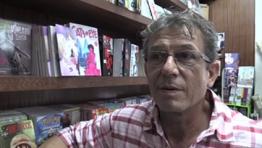 Jean-Luc Schneider responsable de la librarie Des bulles dans l'océan
